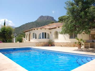 Photo for Luxury detached villa with private pool in quiet area