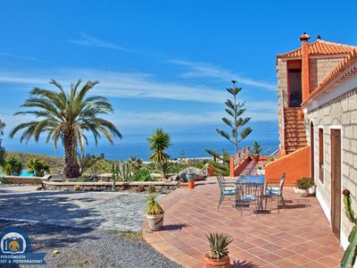 Photo for Holiday House - 6 people, 125m² living space, 3 bedroom, swimming pool, dishwasher, TV