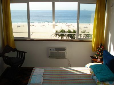 Photo for Comfortable apartment, on the coast of Copacabana, with a total panoramic view.