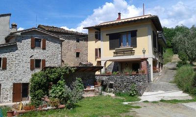 Photo for Country house in Tuscany, quiet and comfortable - lower floor