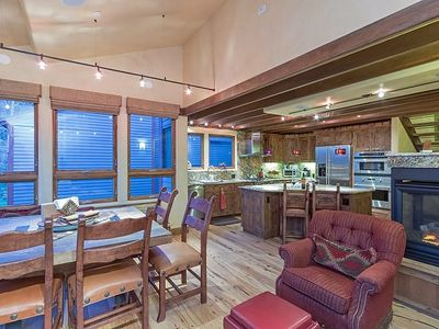 Photo for Spacious 2 bedroom with loft, 2.5 bath year round retreat with common area indoor & outdoor hot tubs