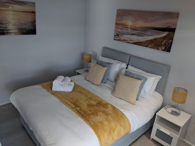 Photo for LT Grove Stratford 2 bed-Apartment-Private Bath