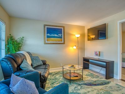 Photo for 2nd floor condo w/pool view & close proximity to beach