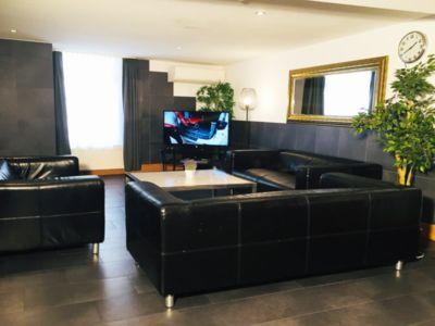 4 Bedrooms in Apartment City Center