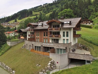 Photo for Beautiful, spacious apartment in the skiing area of Saalbach-Hinterglemm, next to the lift