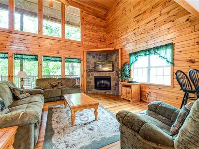 Photo for Hawks Point Lodge, 5 Bedrooms, Sleeps 10, Pool Access, Hot Tub, Pool Table