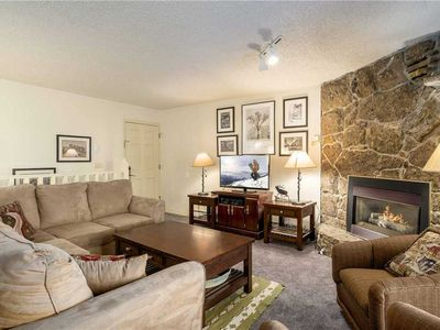 Photo for Updated 2 Bedroom 3 bathroom at the Phoenix, 3 minute walk to the Slopes.