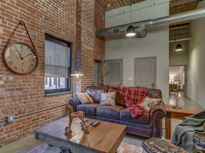 Photo for ★ 1,200 sf 2BR ★ Gym ★ Netflix ★ Alexa ★ Rooftop ★