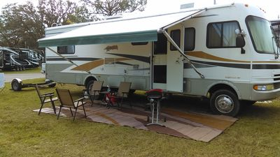 Photo for EXPERIENCE OUR CLASSIC FLEETWOOD MOTOR HOME FOR A VISIT TO CENTRAL FLORIDA!