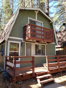 Photo for 2 Bedroom 2 Bath Cabin nestled between Bear mountain and snow Summit.