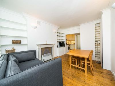 Photo for NEW 1 Bedroom Covent Garden Flat Centre of London