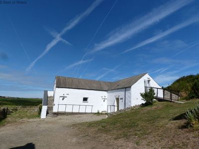 Photo for Ideal cottage for 11 in Abercastle, dog-friendly and also 5 minute walk to the beach, pun and more