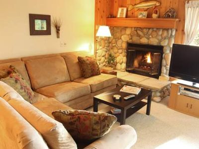 Kitchen, Stone Fireplace, Jacuzzi. Trout Creek Condo #82 - 2 Bedrooms 2 Baths. Pools, Tennis, Hiking