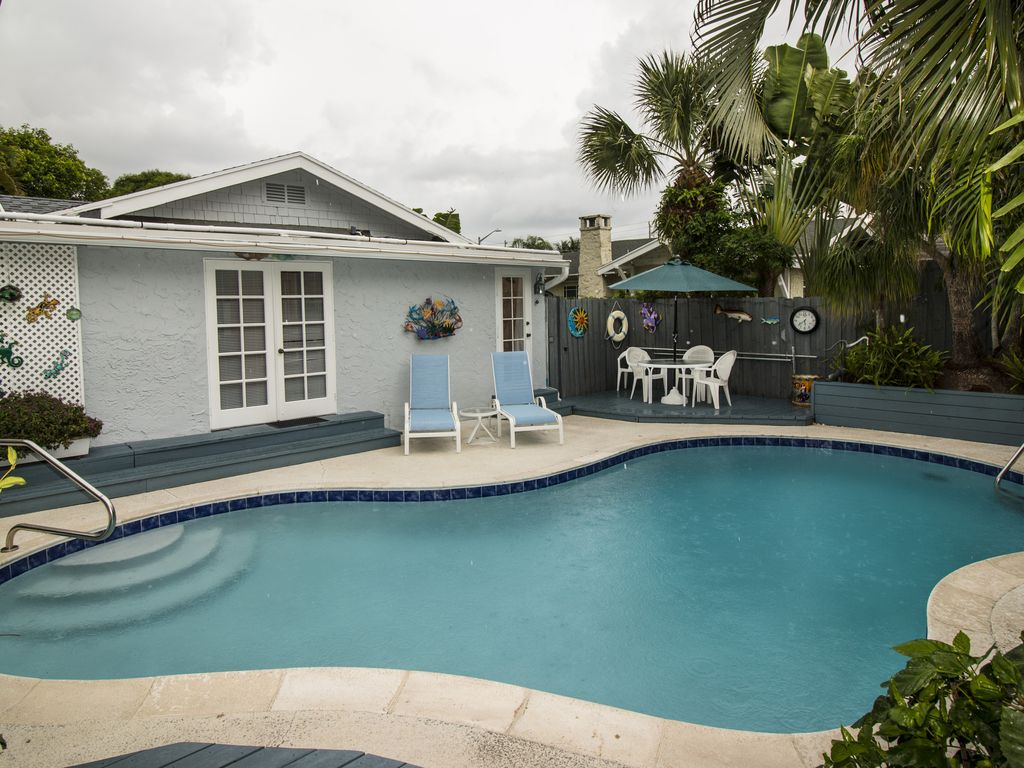 West palm beach home with cottage private secluded - Palm beach pool ...