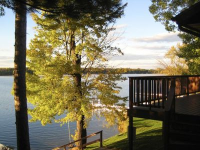 Your Lakeside Escape Get--a-way! Lakefront/Water toys/Wifi/Outside Hot Tub