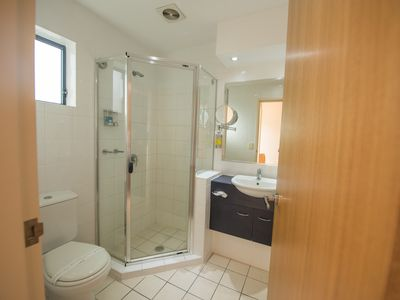 Photo for Airolodge International - Deluxe Queen Room Near Brisbane Airport