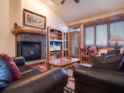 Photo for Gorgeous Top FloorAir Conditioned Vacation Home Access to 4 Pools! Views! CL3303