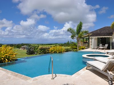 Photo for Luxurious 2 Bedroom House with a Pool