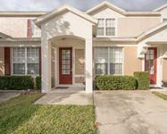 Nice cozy townhome in a gated community close to Disney