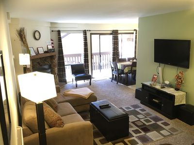Cozy Family Room with Flat Screen and 400mb Wifi throughout