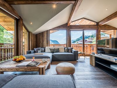 Photo for MILL III - Luxury chalet with private jacuzzi, ideally located, capacity of 8