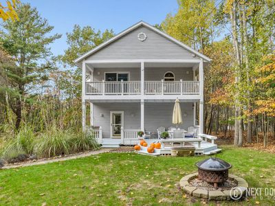 Photo for Charming Lake Michigan Cottage  located between Silver Lake & Pentwater!
