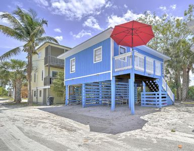 Photo for Fort Myers Beach Retreat.....Just steps and your feet are in the Gulf of Mexico