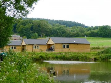 Set in quiet countryside, with picturesque views over the Ribble Valley - Beach lodge No.1 - Unit 3593785