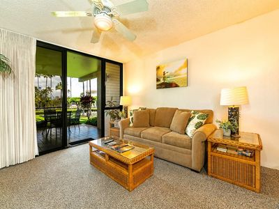 Photo for A Hawaii Hit! Island Living Steps from Sand, Full Kitchen, WiFi–Kamaole Sands 10105