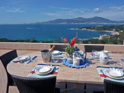 Photo for Semi-detached house, 150 m. from the sea. Amazing view over the gulf of Ajaccio!