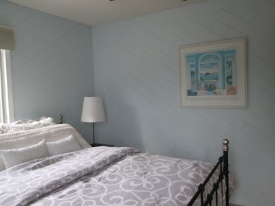 Photo for Adorable 2/1 Cottage at Juno Beach - Perfect for a Quiet Retreat!