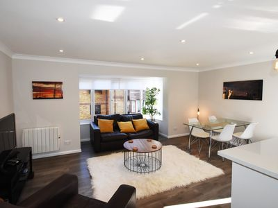 Photo for Luxury 2 Bedroom apartment Zone 2 Easy walking distance to Peckham Rye station.