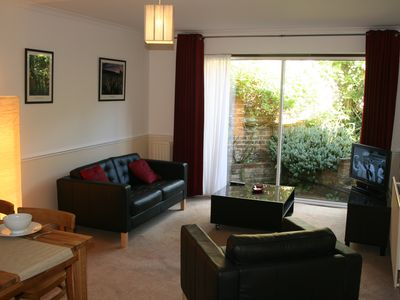 Photo for Central but quiet, comfy 1 bedroom flat