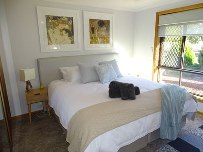 Photo for 3 Pears on the Park - Luxurious 3 bedroom 2 bathroom house central McLaren Vale