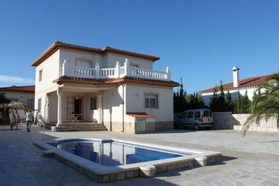 Photo for Holiday house Miami-Platja for 8 - 9 persons with 4 bedrooms - Holiday house