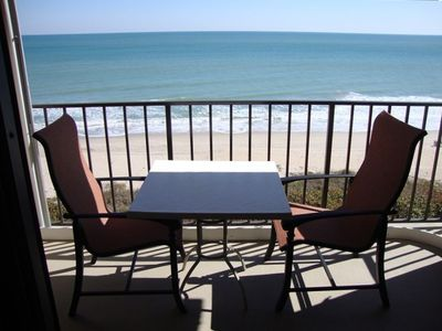 Private 8th floor balcony with fantastic ocean views & comfy outdoor furnitu