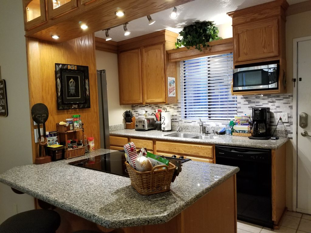 Gorgeous Remodeled Kitchen Custom Cabinets Granite Stainless Liances