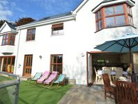 Marvellous family/large group holiday home