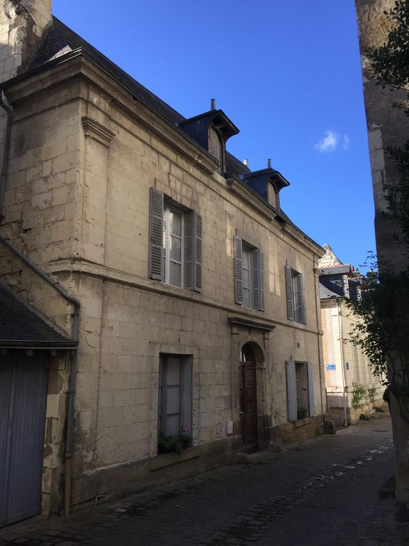 Bed and Breakfast Heart of Historic Old Town Chinon