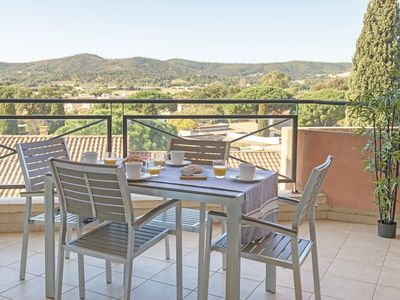 Photo for Vast 3 rooms with terrace clear view / individual garage / area of Pin de Bormes