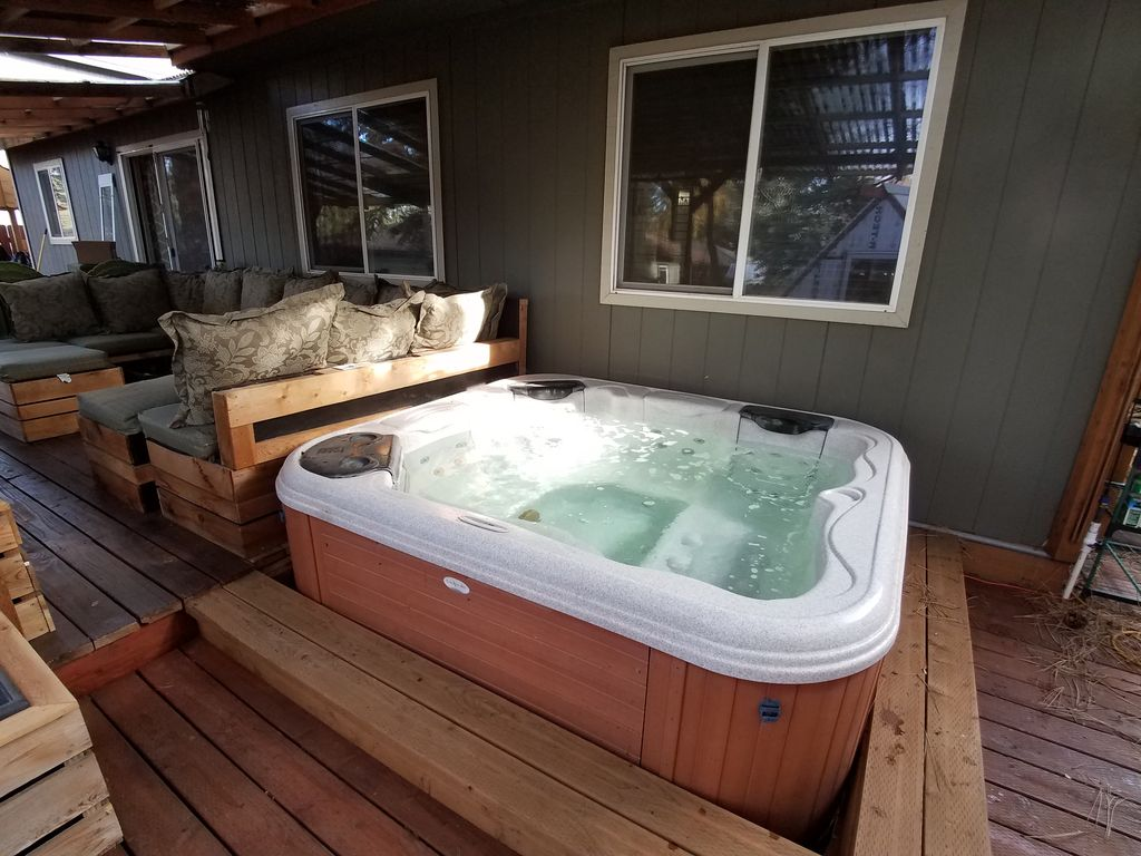 Sports Recovery Retreat, Sauna, Hot Tub, Gym, Ice Bath, 1/4 From Old ...