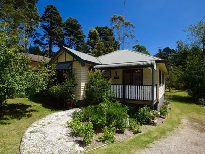 Photo for Allegra Cottage is ideal for those seeking comfort and quality close to Leura