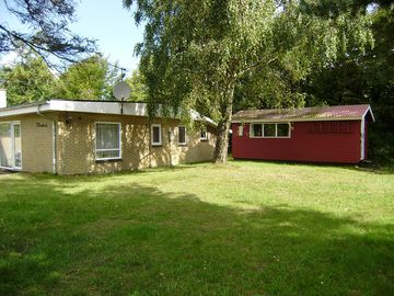 Ejerslev Lyng/Mors. 80 m2 pleasant concrete holiday house. 100 m. to the beach.
