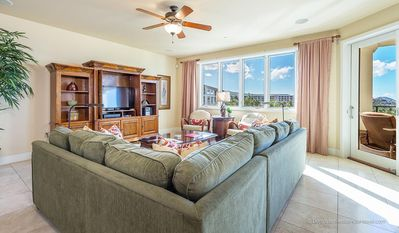Photo for Classy 2-Bedroom Ocean-View Penthouse in Wailea!