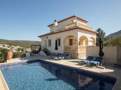 Photo for House with private pool and stunning views of the Jalon Valley