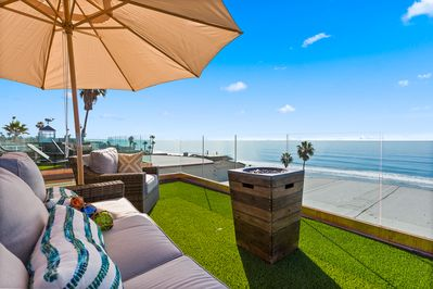 Gorgeous Rooftop Deck Overlooking the Pacific Ocean