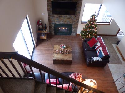 Photo for Gorgeous, newly refurbished condo very near lifts - sleeps 8 in 2 beds & loft