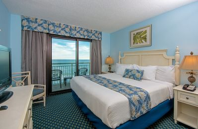 *LISTEN TO THE WAVES, WATCH THE BEACHFRONT SUNRISE IN OUR 3 BEDROOM CONDO!*