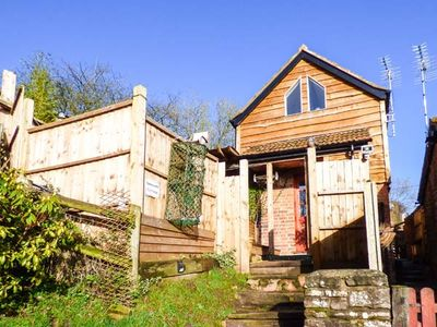 Photo for ORCHARD COTTAGE, pet friendly, with hot tub in Blakeney, Ref 930735