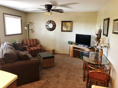 Photo for 1bdrm, Walk in, Wi Fi, Great Branson View & Location, Pools, Trails, 5 Acre Lake